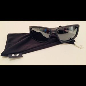 OAKLEY VALVE Sunglasses / Brand New OO9236-06 NEW